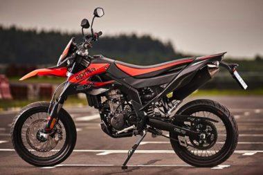 Motos 50cc et 125cc